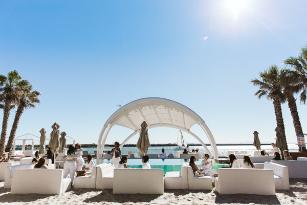 Cape Town, child-friendly, swim, things to do, parenting, kids activities, agaaain, outings, childhood, Shimmy Beach Club, V&A, Waterfront, restaurant, swimming pool, resstaurant with pool, family friendly restaurant